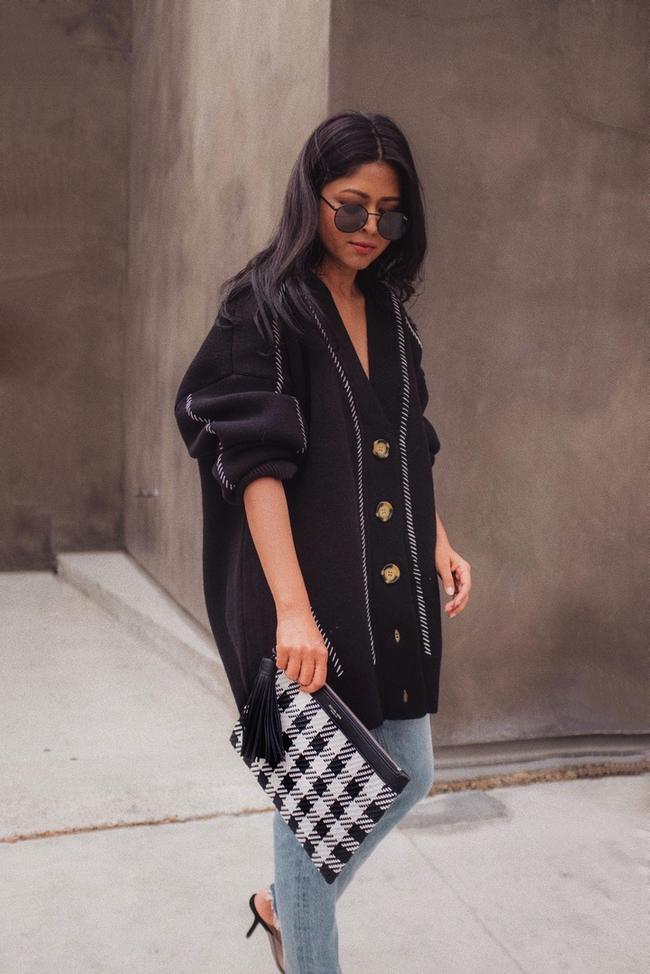 Shop the latest @walkinwonderland in H&M, Oversized Cardigan - Black